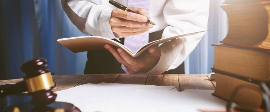 Может ли банк продать долг коллекторам после решения суда: имеет ли право передать кредит третьему лицу?